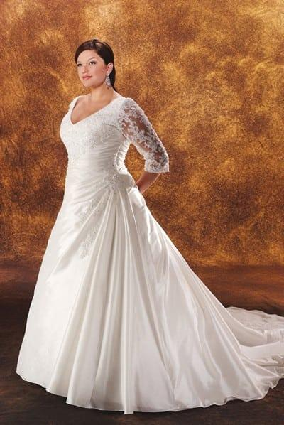 Plus Size Wedding Dresses 3 4 Sleeve : Plus sized long sleeved bridal gown