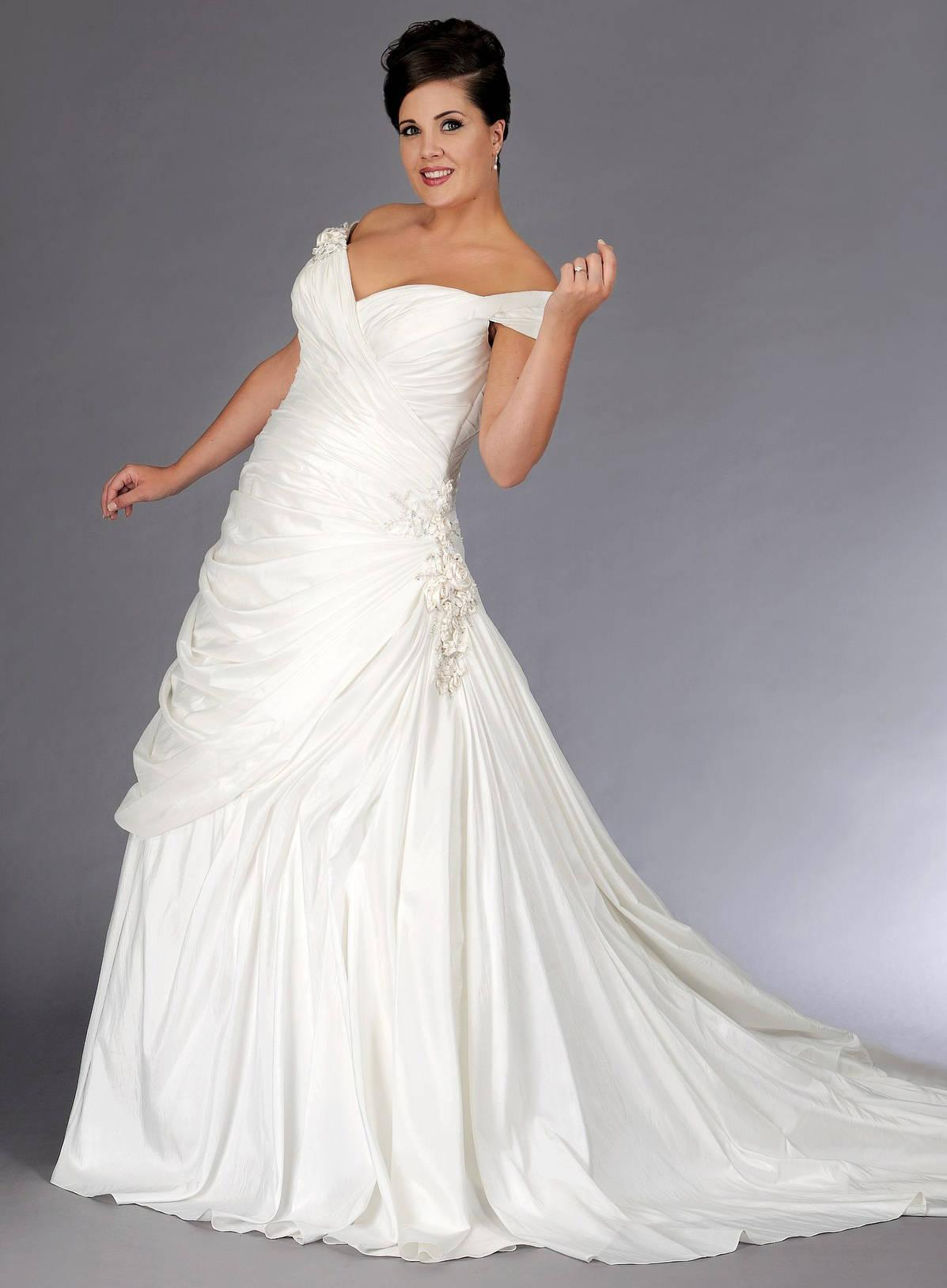 Off the shoulder plus size a line wedding gown for What is my wedding dress size