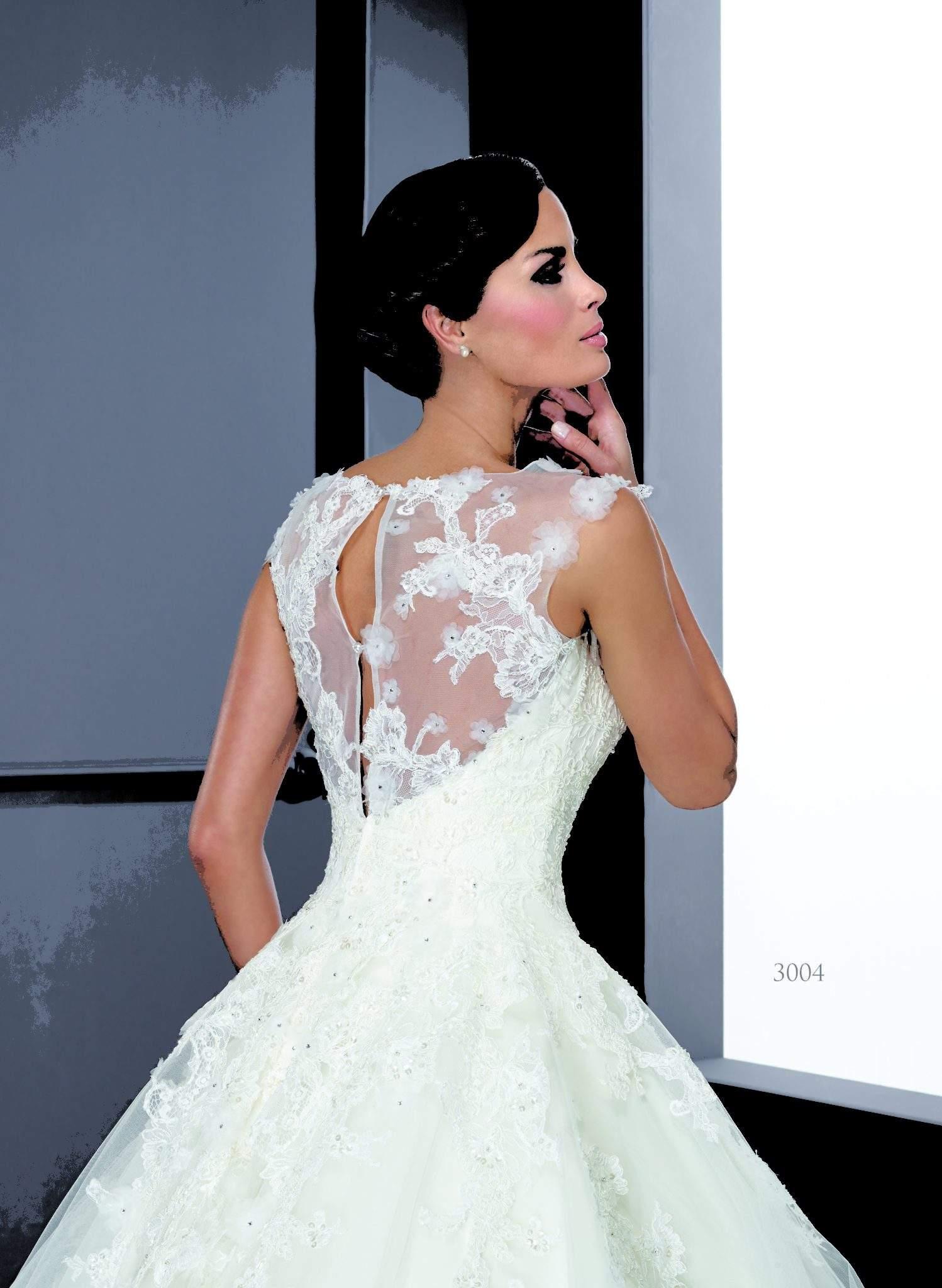 Bescheidene Brautkleider - Darius Cordell Fashion Ltd