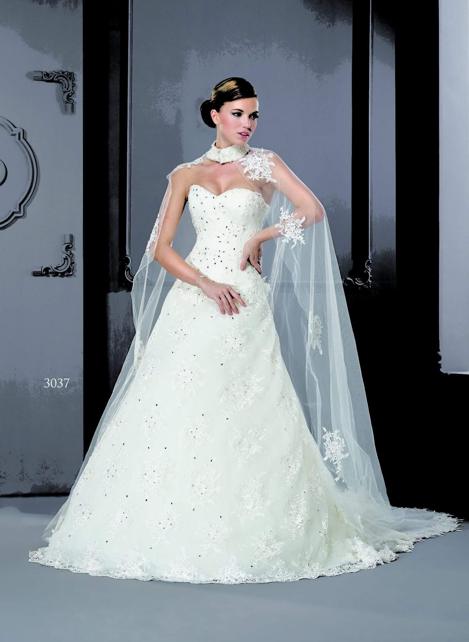 Brautkleid mit Cape Schal - Darius Cordell Fashion Ltd