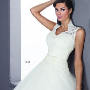 Style T3044 - Queen Anne Collar Wedding Dresses