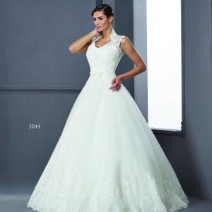Queen Anne Collar Bridal Gowns