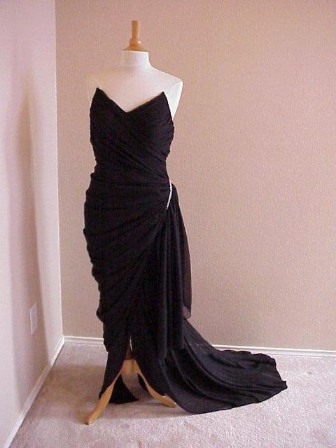 Elegant and Simple Black Evening Dresses from Darius Cordell