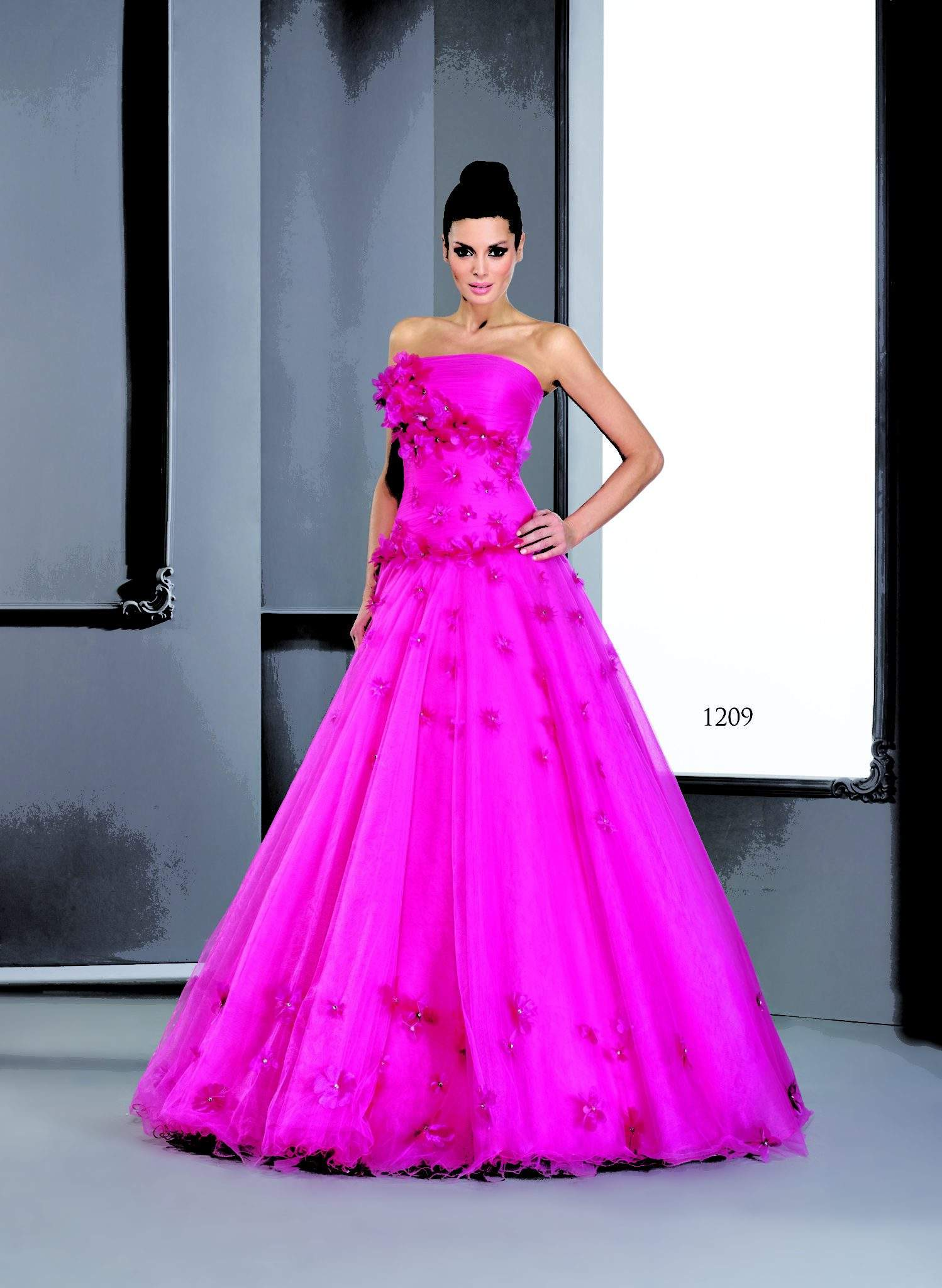 Vestidos de bola de color fucsia - Darius Cordell Fashion Ltd