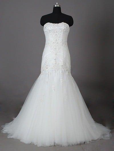 White lace wedding dresses w fit n flare darius cordell for Fit n flare lace wedding dress