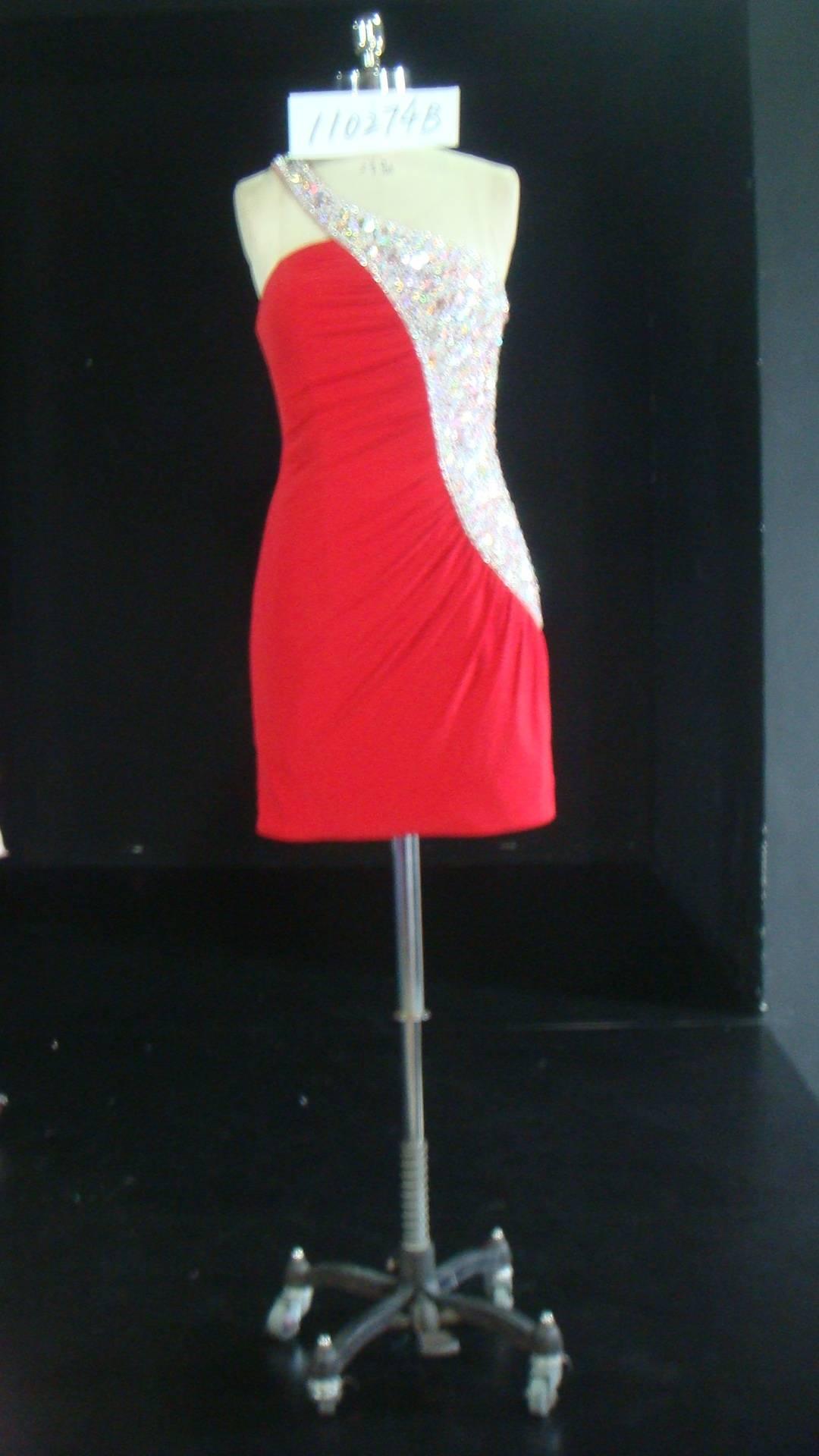 Geraffte rote Halfter Cocktailkleider - Darius Cordell Fashion Ltd