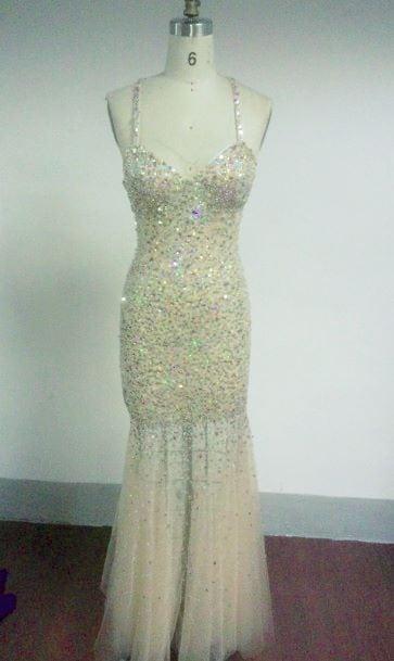 Pastellgelbe Abendkleider für Festzüge - Darius Cordell Fashion Ltd