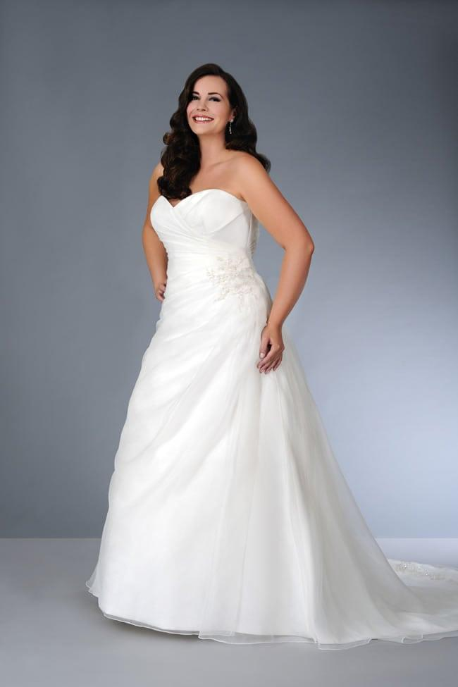Strapless a line wedding gown for fuller figured plus size for Wedding dresses for fuller figures