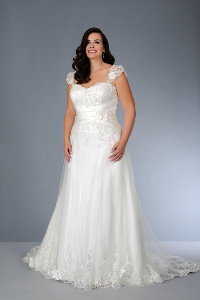 cap sleeve lace wedding dress for plus size frame
