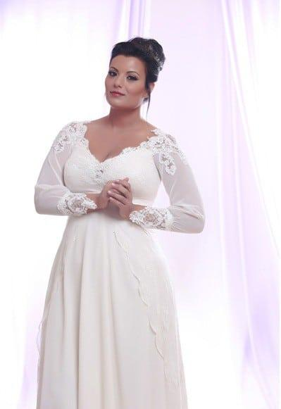 Long Sleeve Plus Size Wedding Dresses with Lace and Pearls