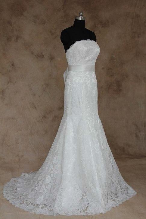 Einfaches und elegantes Brautkleid aus der Darius Kollektion