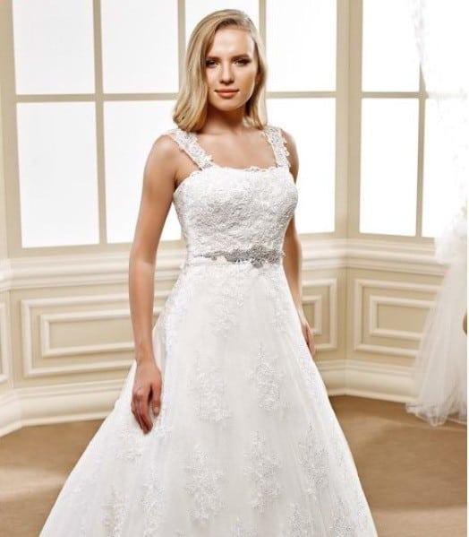 Lace wedding gown with wide lace straps for plus size brides for Plus size wedding dresses with straps