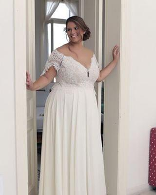 9807 Short Sleeve Off The Shoulder Wedding Gowns For Plus Size