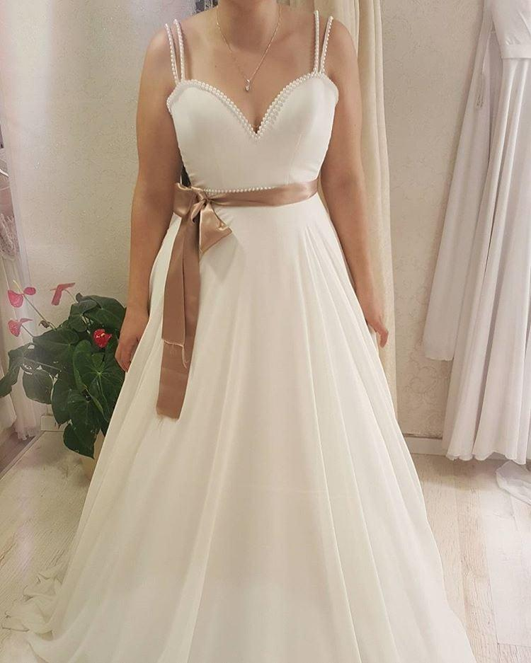 Simple Wedding Dresses Plus Size: Simple And Elegant Plus Size A-line Wedding Gowns