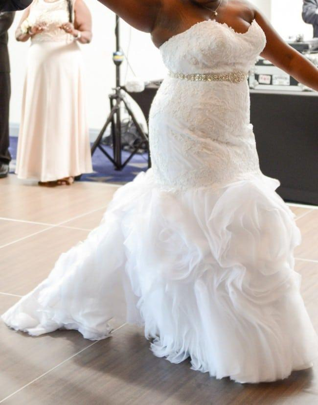 Strapless plus size wedding gowns with fit n flare style for Fitted wedding dresses for plus size
