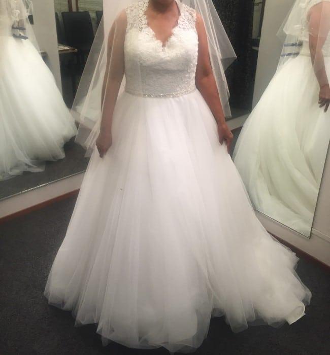 Unique Plus Size Wedding Dresses: Unique Plus Size Wedding Dresses For The Curvy Bride From
