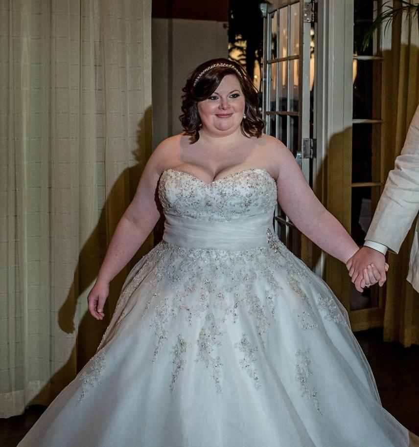 Unique Plus Size Wedding Dresses For The Curvy Bride From