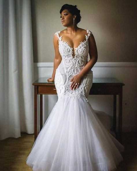Form Fitting Wedding Gowns: Fit-and-flare Plus Size Wedding Dresses